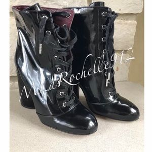 $550 NEW! MARC JACOBS patent leather ankle boots